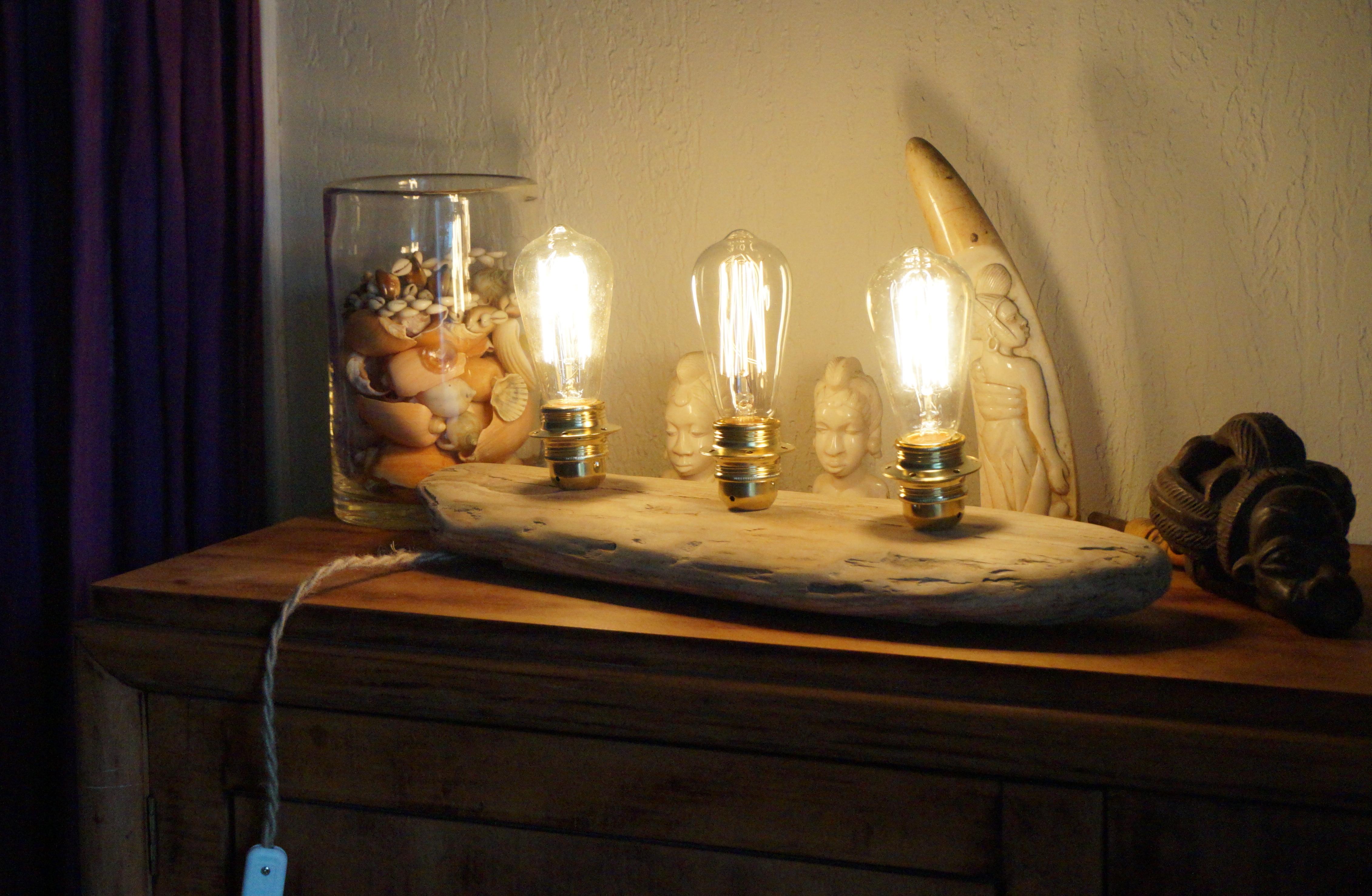 lampe poser bois flott atelier rockup. Black Bedroom Furniture Sets. Home Design Ideas